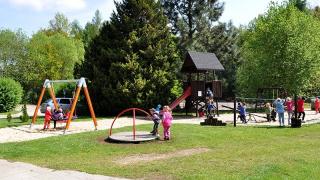 dětské hřiště před hotelem