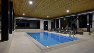 vnitřní bazén s protiproudem