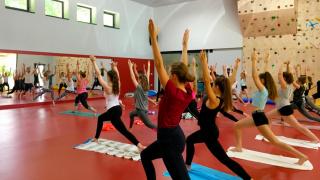prostor tělocvičny vhodný ke cvičení
